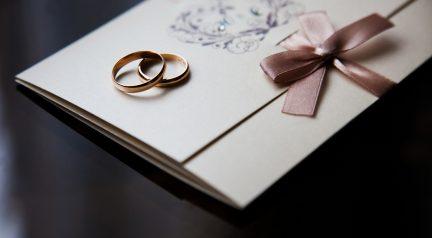 Einladungskarten für die goldene Hochzeit selbst gestalten